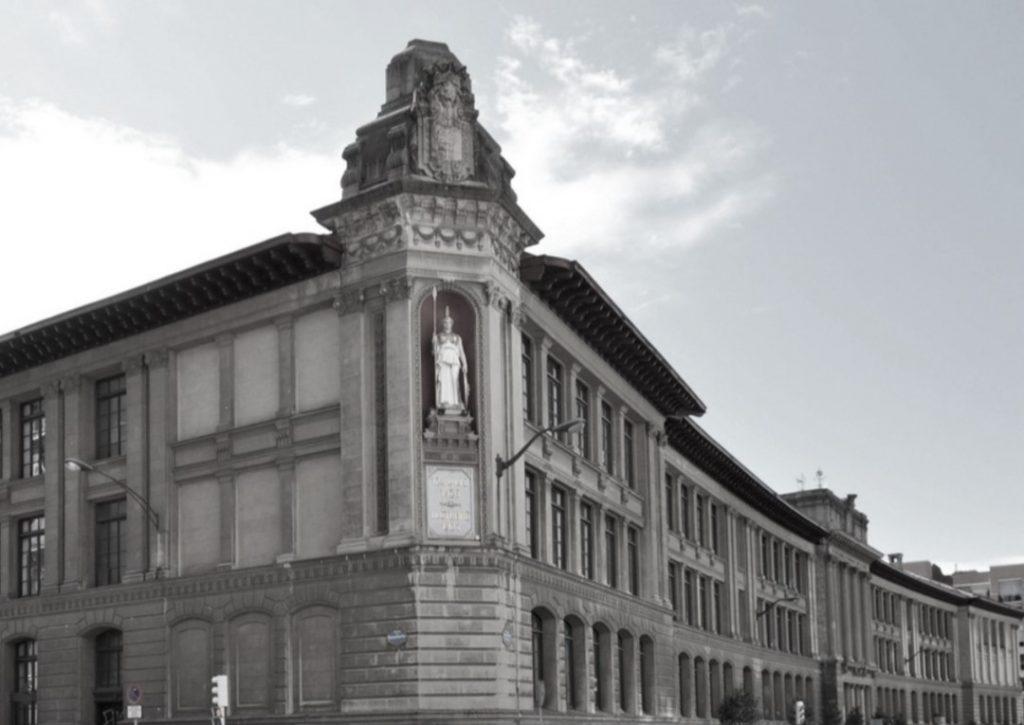 Instituto Nacional de Enseñanza Media de Bilbao. Director Juan Amo Vázquez.